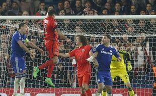 Thiago Silva inscrit le but de la qualification pour le PSG à Chelsea (2-2 ap) le 11 mars à Londres.