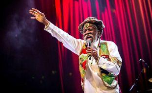 Bunny Wailer, ici lors d'un concert à Las Vegas en 2016, est mort le 2 mars 2021 à l'âge de 73 ans