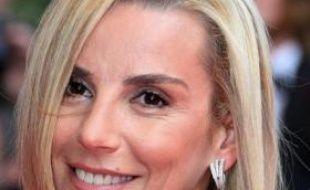 """Laurence Ferrari, dont l'arrivée lundi à la présentation du journal de TF1 est très médiatisée, a expliqué à l'AFP qu'elle ne voulait pas """"révolutionner"""" mais faire des """"changements progressifs"""" dans ce JT, qu'elle dit aborder """"concentrée"""" et en toute humilité."""