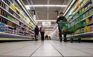 Les prix à la consommation sont repartis à la hausse (+0,3%) en février en France après avoir baissé de 0,5% le mois précédent, en léger ralentissement sur un an, à +1%, selon les chiffres publiés mercredi par l'Insee.