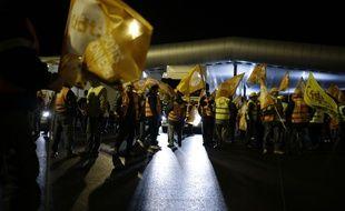 Manifestation de routiers au péage de Saint-Arnoult, le 18 décembre 2014.