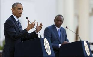 Barack Obama et le président kényan Uhuru Kenyatta on tenu une conférence de presse commune à Nairobi (Kenya), le 25 juillet 2015.