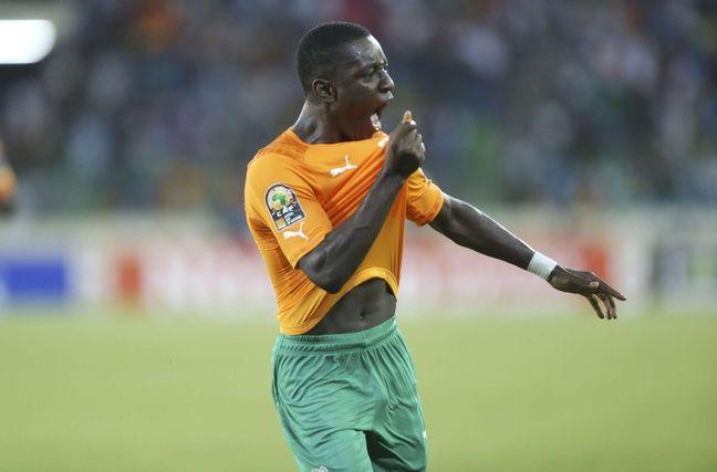 Max-Alain Gradel avec la Côte d'Ivoire contre le Cameroun, lors de la CAN 2015 remportée en Guinée équatoriale. des nations à Malabo, en Guinée équatoriale, le 28 janvier 2015.