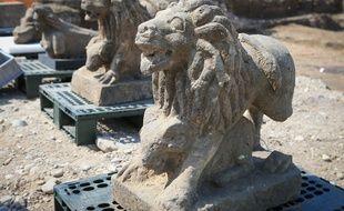 Strasbourg le 11 juin 2015. archéologiques route des Romains à Koenigshoffen. Lions et sphinges.