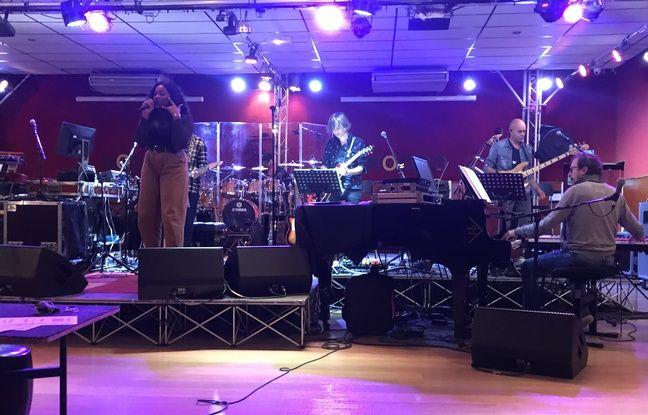 Toni lors de sa première répétition avec l'orchestre de «The Voice», le 9 octobre à Vitry-sur-Seine.