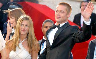 Les acteurs Jennifer Aniston et Brad Pitt du temps de leur mariage, en 2004