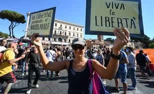 Manifestation contre le port du masque obligatoire à Rome, en Italie, le 5 septembre 2020
