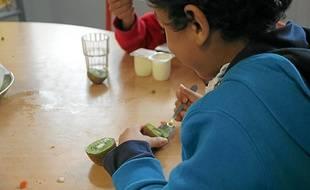 Les fruits servis à la cantine sont rarement issus de l'agriculture biologique.