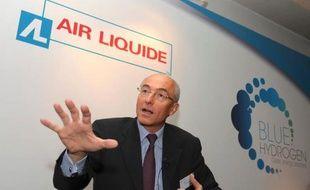 Entre quinze et trente personnes ont bloqué mercredi jusqu'à 17H00 un site d'Air Liquide France Industrie à Floirac (Gironde) pour protester contre un plan de suppressions de postes annoncé en septembre, a-t-on appris auprès de l'entreprise et de la CGT.