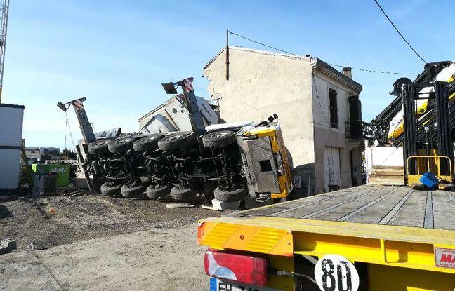 La grue de chantier intervenait sur la construction d'une résidence de 33 appartements.