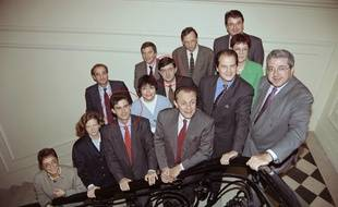 Dans une autre vie, Manuel Valls et Jean-Luc Mélenchon étaient tous deux jeunes rocardiens. (Bureau national du PS, 24 octobre 1993, entourant Michel Rocard)