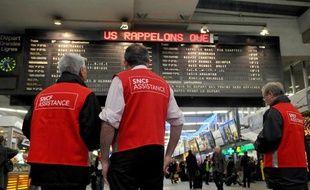 Parmi les postes à pourvoir à la SNCF, des agents de médiation, d'entretien et d'accueil des touristes dans les grandes gares.
