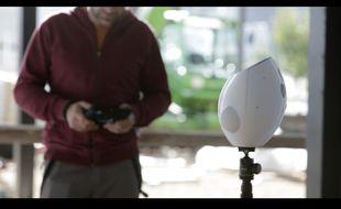 Numii est un objet connecté capable de mesurer les efforts et les gestes d'une personne qui travaille.