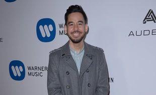 Le musicien Mike Shinoda