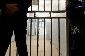 Dans une prison (illustration)