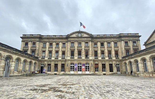 Municipales 2020 à Bordeaux: Le maire sortant Nicolas Florian suspend sa campagne en raison de la crise du coronavirus