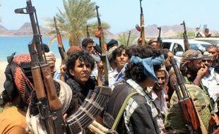 Des combattants du mouvement séparatiste du sud du Yémen se rassemblent dans le port d'Aden, le 17 mai 2015
