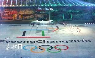 La présentation des anneaux olympiques de Pyeongchang lors de la cérémonie de clôture de Sotchi, le 23 février 2014.