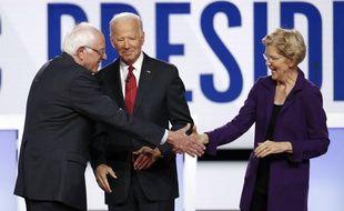 Les candidats démocrates Bernie Sanders, Joe Biden et Elizabeth Warren, lors du débat télévisé du 15 octobre 2019.