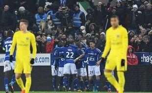 Strasbourg a infligé au PSG sa première défaite de la saison, le 2 décembre 2017 à la Meinau.