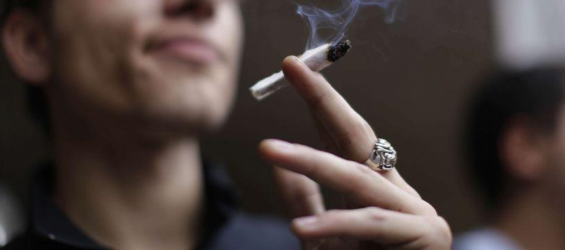 Au Canada, le cannabis récréatif va devenir légal le 17 octobre.