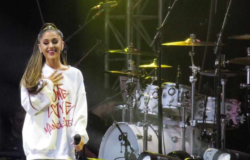 Ariana Grande dévoile un scan de son cerveau