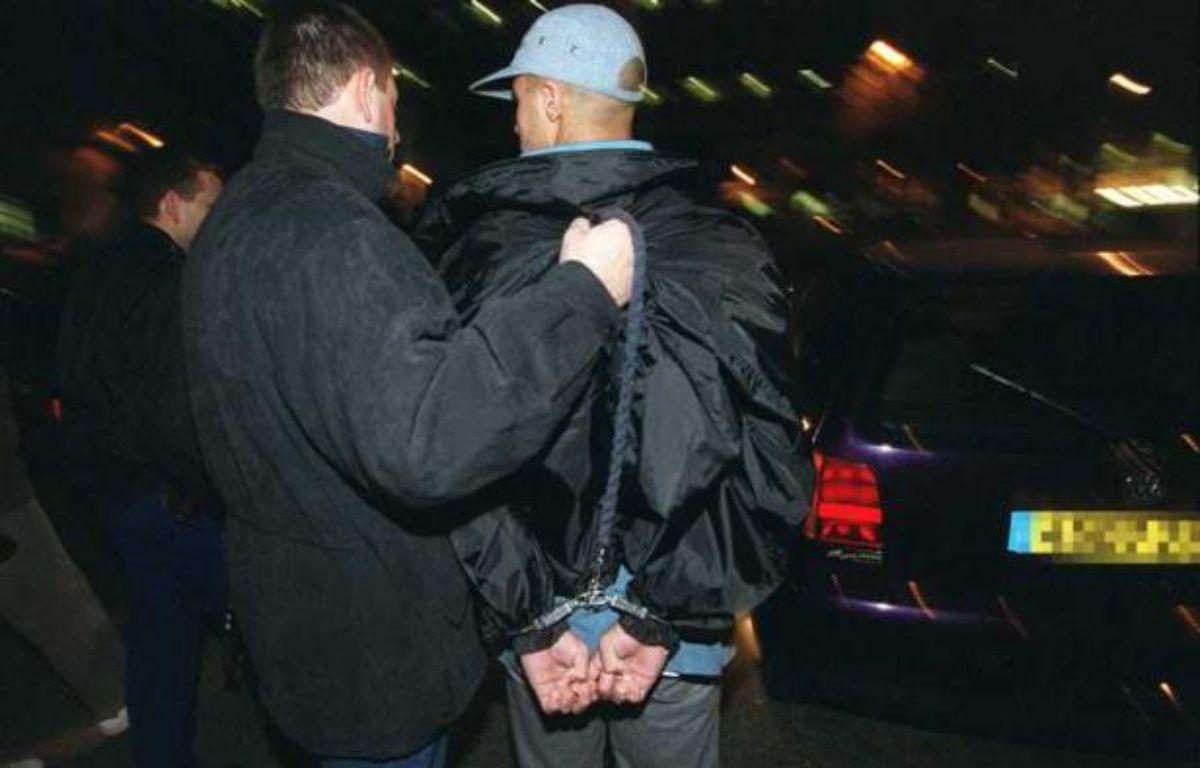 Les mineurs représentent 18,9% des personnes mises en cause pour un crime ou un délit en 2010. – HADJ/ SIPA