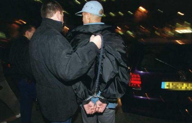 Les mineurs représentent 18,9% des personnes mises en cause pour un crime ou un délit en 2010.