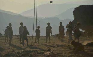 Des enfants de l'ethnie naga, à Lahal, dans le nord de la Birmanie, en décembre 2014 (illustration).
