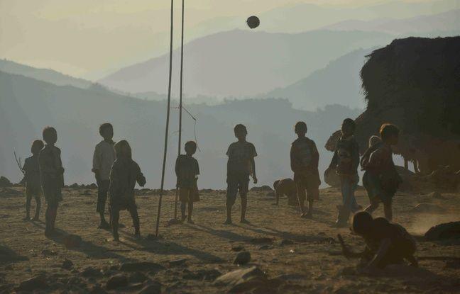 648x415_enfants-ethnie-naga-lahal-nord-b