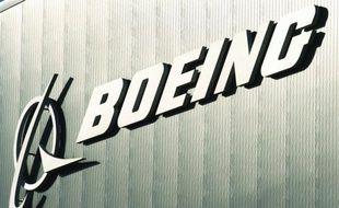 """Le """"Dreamliner"""", dernier long courrier en date du constructeur aéronautique Boeing, a été affecté par deux nouveaux incidents lundi et mardi qui entachent à nouveau la réputation de cet avion plombé par les problèmes techniques et très en retard sur son calendrier de livraison."""