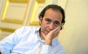 Xavier Niel, le patron de Free, a l'ambition de réduire de moitié la facture mobile des ménages.