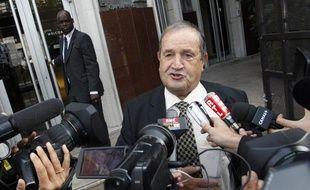 Le président de la fédération française de football, Fernand Duchaussoy, devant le siège de la FFF, le 25 août 2010.