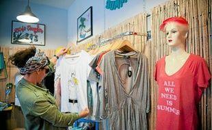 La boutique éphémère Dr Summer propose jusqu'au 4 février des vêtements et sacs d'été.