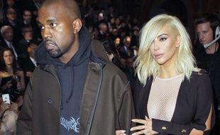 kim Kardashian et Kanye West arrivent ce jeudi au défilé Lanvin.