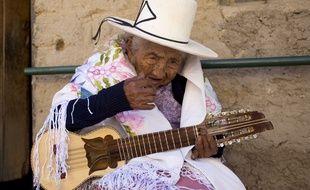 La doyenne des Boliviens, Julia Flores Colque, a reçu une maison pour ses 118 ans.