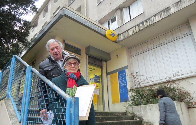 Bureaux de poste à paris rassemblement contre la fermeture du