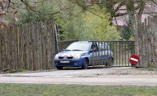 Les gendarmes mènent l'enquête au zoo de Thoiry, le 8 mars 2017.