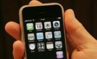 L'iPhone, le téléphone multimédia d'Apple, sera vendu en France par Orange (France Télécom) à partir du 29 novembre au prix de 399 euros, a annoncé mardi l'opérateur dans un communiqué.