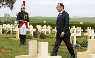 Le président François Hollande à Cerny-en-Laonnois, pour commémorer le centième anniversaire de la bataille du Chemin des Dames, le 16 avril 2017.