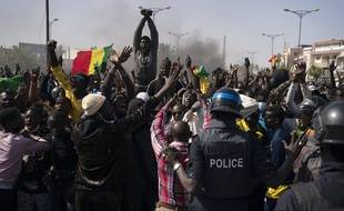 L'arrestation de Ousmane Sonko, le principal opposant au président sénégalais Macky Sall, a provoqué les pires troubles dans son pays en une décennie.