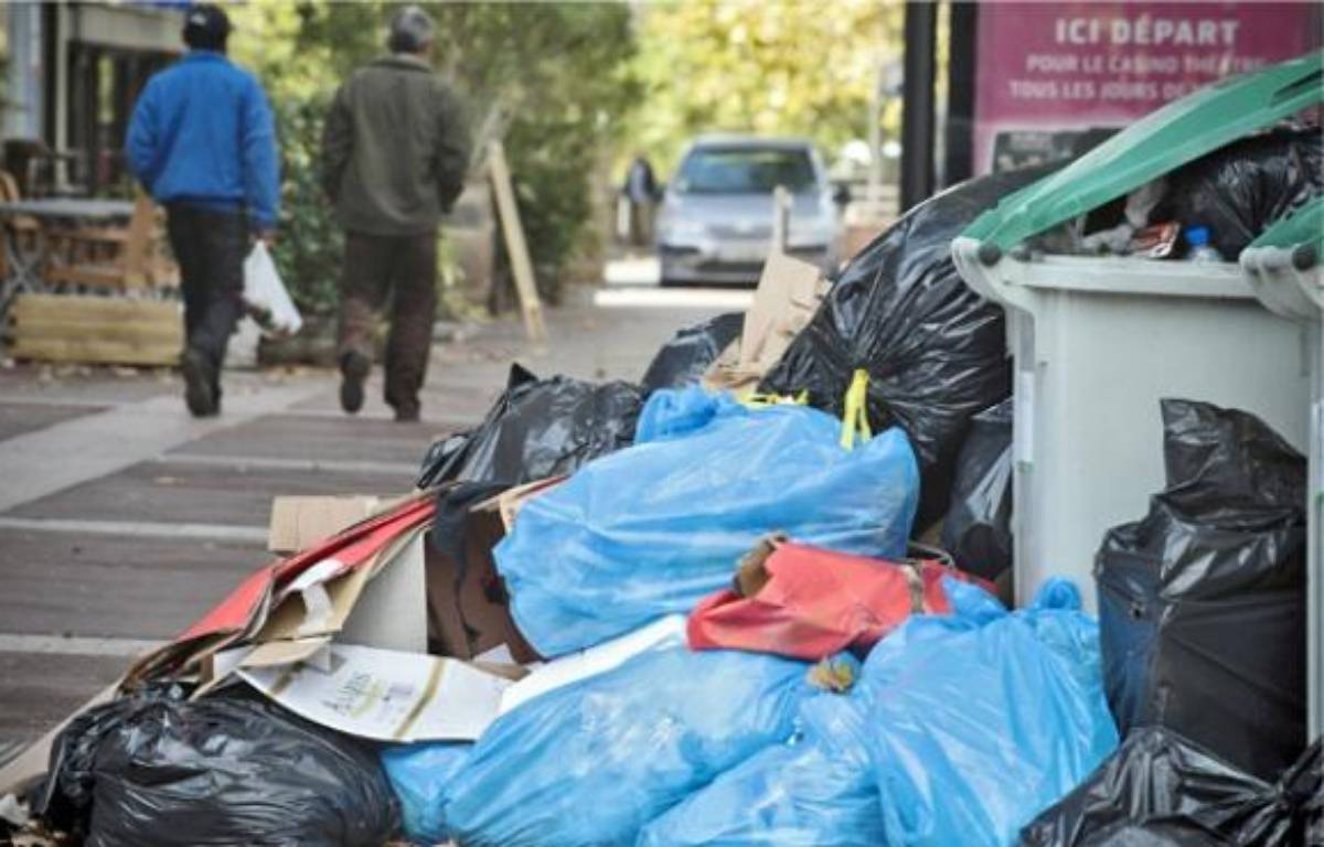 Malgré un ramassage en centre-ville, les ordures s'entassent dans d'autres quartiers. –  f . scheiber / 20 minutes