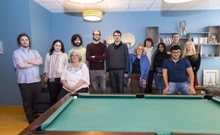 L'équipe d'Auticonsult dans les locaux de l'entreprise, qui emploie 23 personnes autistes.