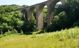 Le viaduc des Fauvettes dans l'Essonne