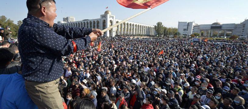 Manifestation à Bichkek au Kirghizstan, le 5 octobre 2020.