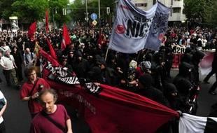 Quelque 115.000 salariés ont pris part jeudi à des débrayages et à des rassemblements organisés pour appuyer les revendications salariales dans l'industrie allemande, a annoncé le syndicat IG Metall.