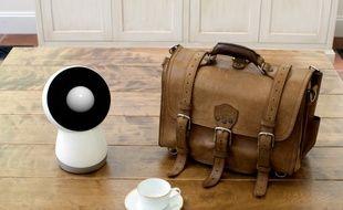 Le petit robot Jibo peut pivoter à 360°.