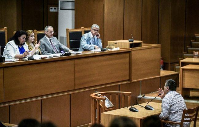Grèce: Le procureur requiert l'acquittement des responsables d'Aube dorée dans le meurtre d'un rappeur