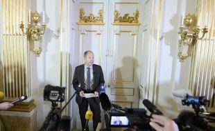 Le secrétaire perpétuel Peter Englund à l'annonce le 10 octobre 2013 à Stockholm du prix Nobel de littérature