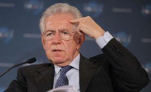 Mario Monti à Cannes le 8 décembre 2012.